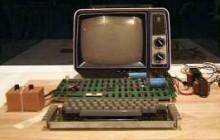 Accesi a Torino nel 8-bit Lab tre Apple-1